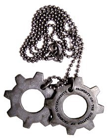 Gears-of-War-3-Replica-COG-Tags-Import-allemand-0